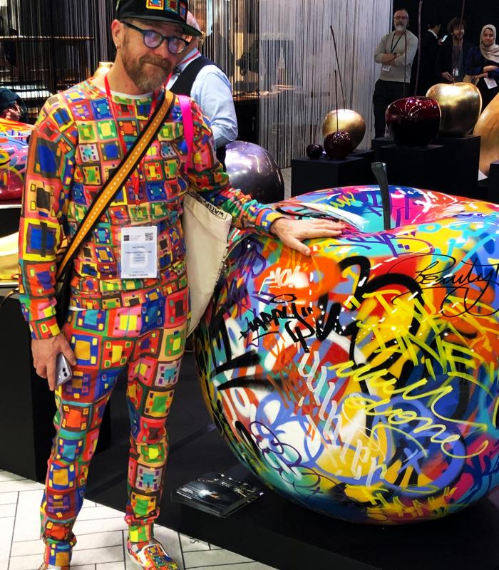 Mike Farrell, Three Pears Productions & GRAFFITI APPLE SCULPTURE, Maison & Objet Paris