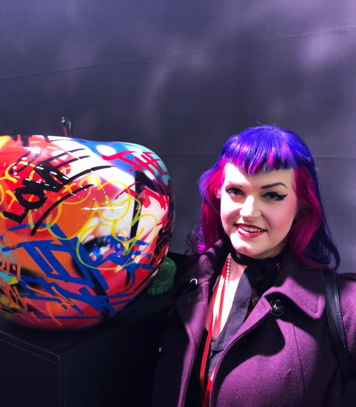 woman with graffiti apple BULL&STEIN on maisonobjet 2019